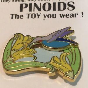 PINOIDS metal & enamel pin daffodils & hummingbird